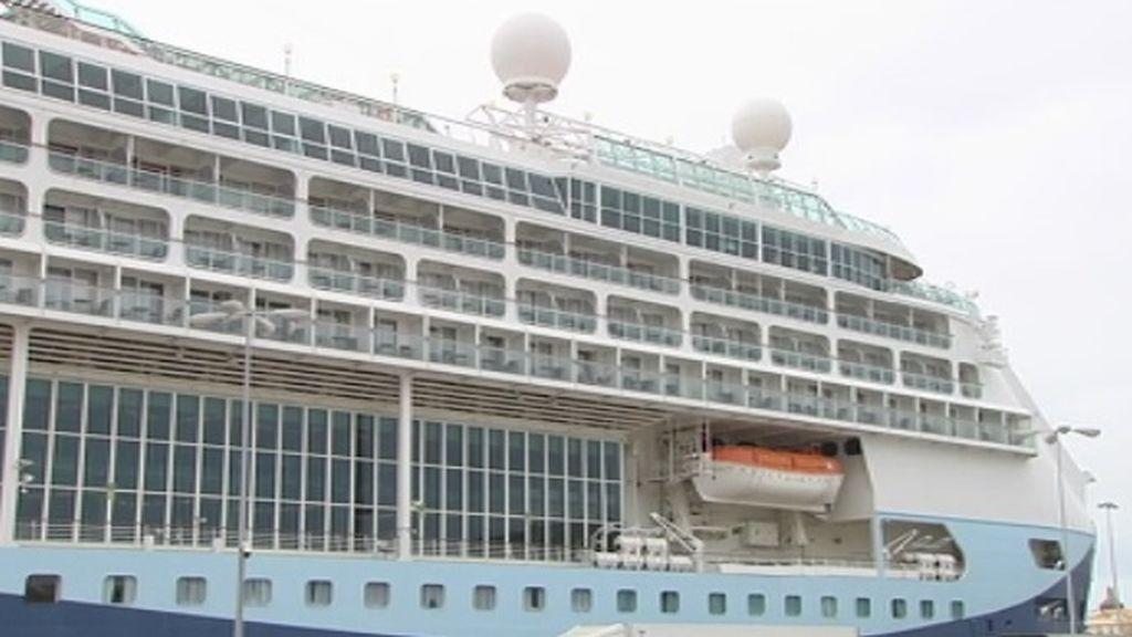Los cruceros aumentan los ingresos de Cádiz en casi un millón de euros