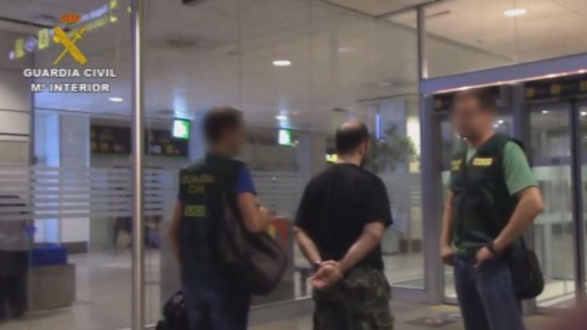 La Guardia Civil y el FBI detienen a 31 personas que captaban menores con fines sexuales por internet