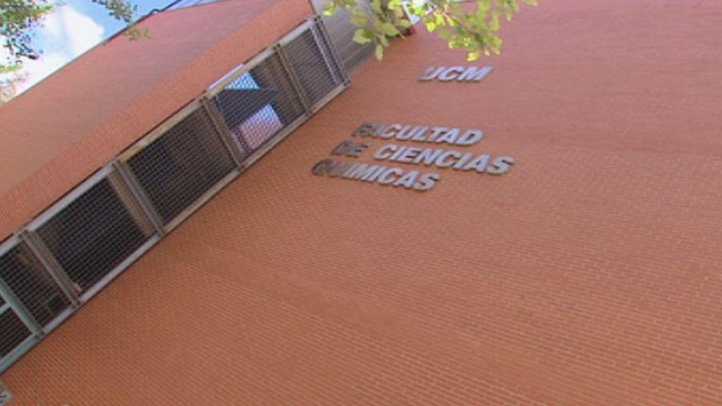 Los alumnos de Rubalcaba dicen adiós a su querido profesor