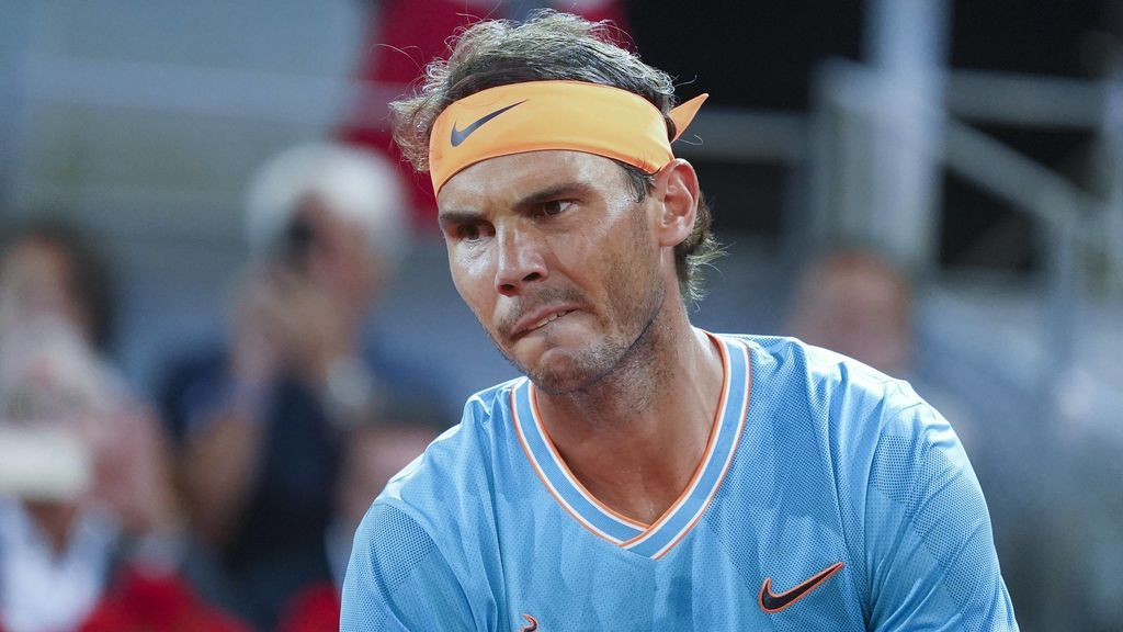 Tsitsipas vence a Nadal y le deja fuera de la final de la Mutua Madrid Open (6-4/2-6/6-3)