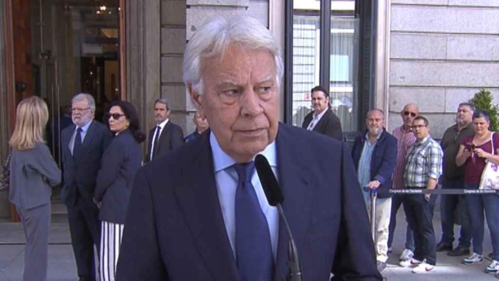 "Felipe González destaca que Rubalcaba era el político ""con más capacidad e inteligencia"" de España"