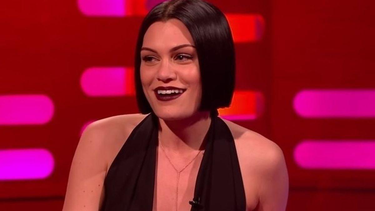 Jessie J presume de un antiguo tatuaje con un error ortográfico en Instagram