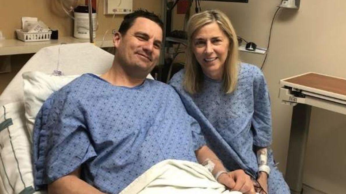 Un paciente asegura estar exento del regalo del Día de la Madre tras donarle parte de su hígado a ella