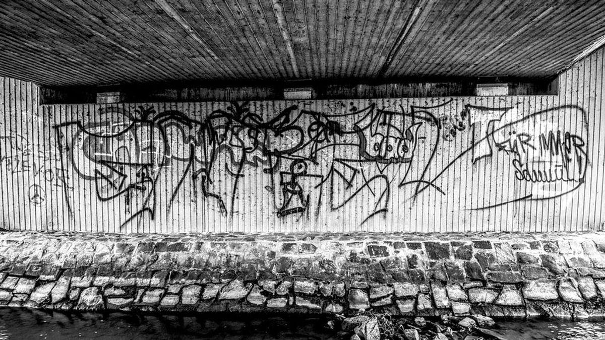 Un joven de 14 años muere atropellado en Valencia tras realizar grafitis en el cauce del Turia