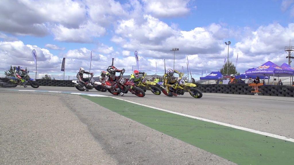 Locos por las motos viaja al Campeonato de España de Supermoto a Albaida
