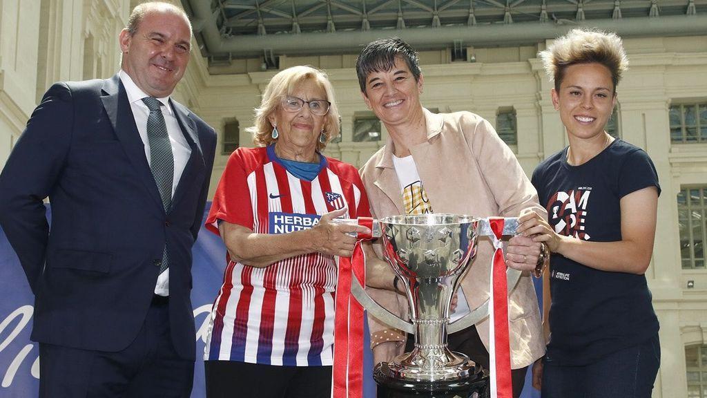 El Ayuntamiento y la Comunidad de Madrid reciben al Atlético Femenino por su reciente título de Liga