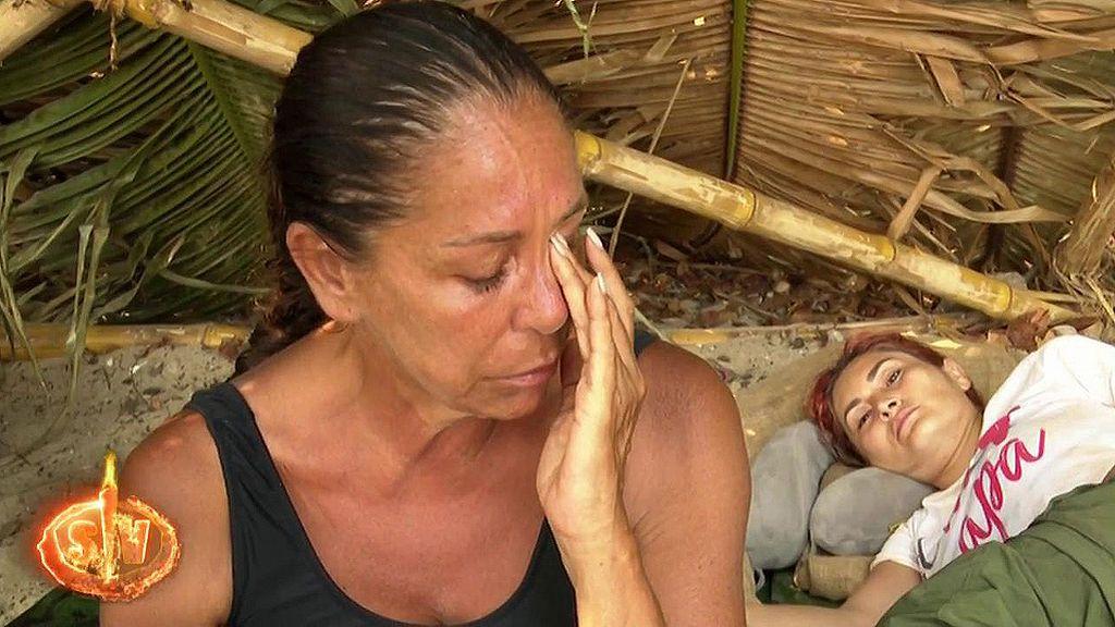 Isabel Pantoja se derrumba en la isla