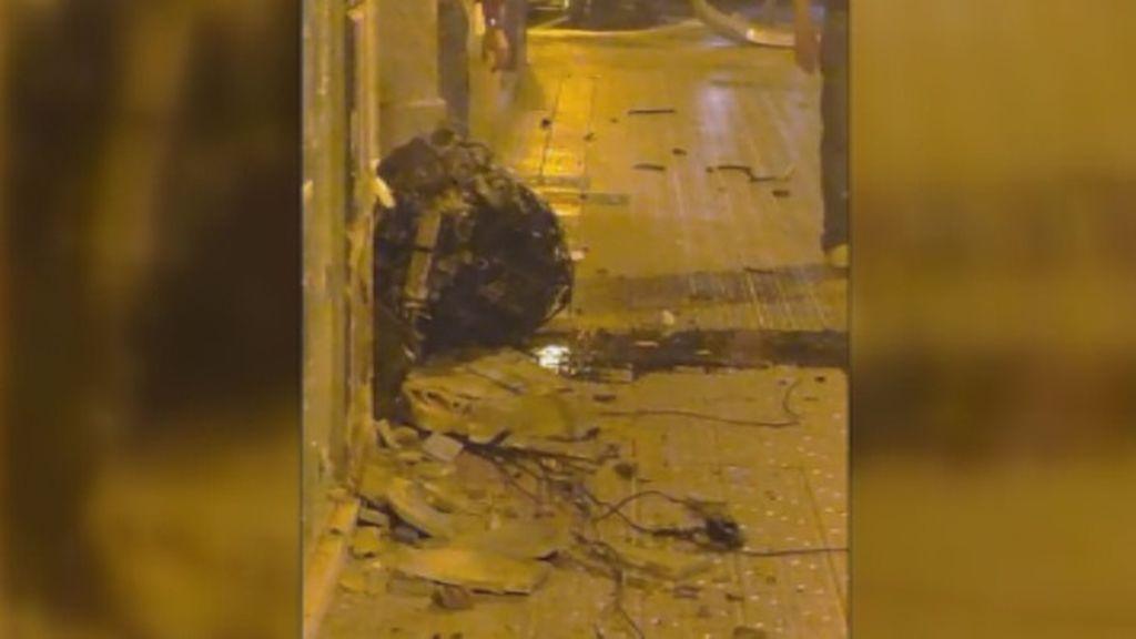 La violencia del accidente de Valencia fue tal que el motor del coche salió disparado