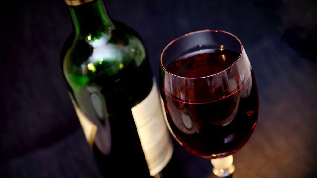 Un preso solicita vino como bebida esencial de la religión que practica en Álava