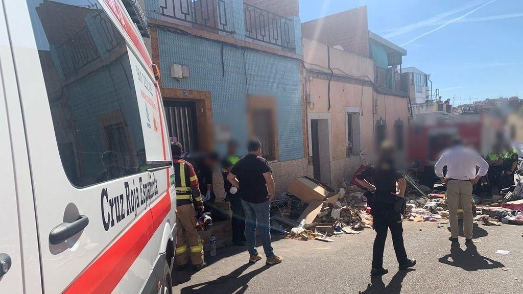 Muere una mujer y dos personas resultan heridas tras derrumbarse una vivienda en Badajoz