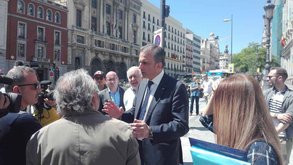 """El candidato al Ayuntamiento de Madrid por VOX: """"las mujeres no tienen derecho a abortar"""""""