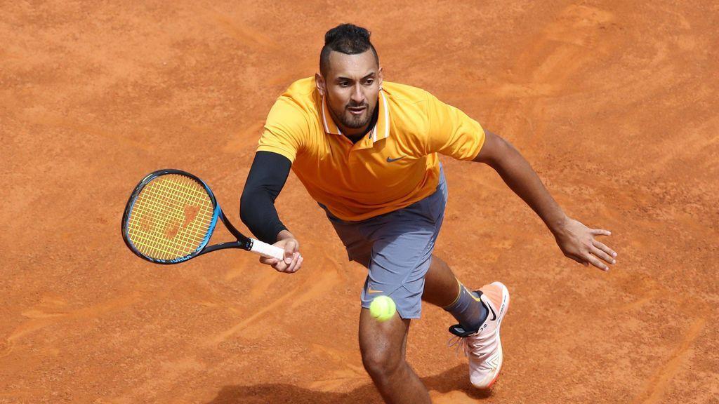 Insultos, lanzamiento de silla y raquetacos: Kyrgios, descalificado del torneo de Roma tras un lamentable espectáculo