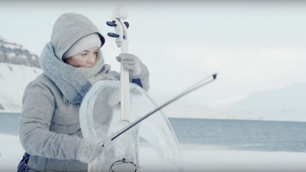 Protejamos los océanos: el concierto en el Ártico con instrumentos de hielo que te dejará impresionado