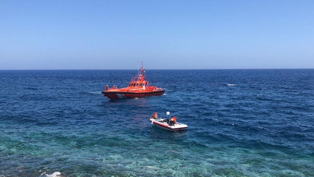Buscan a un bebé y a dos adultos desaparecidos en el desembarco de una patera en la costa de Gran Canaria