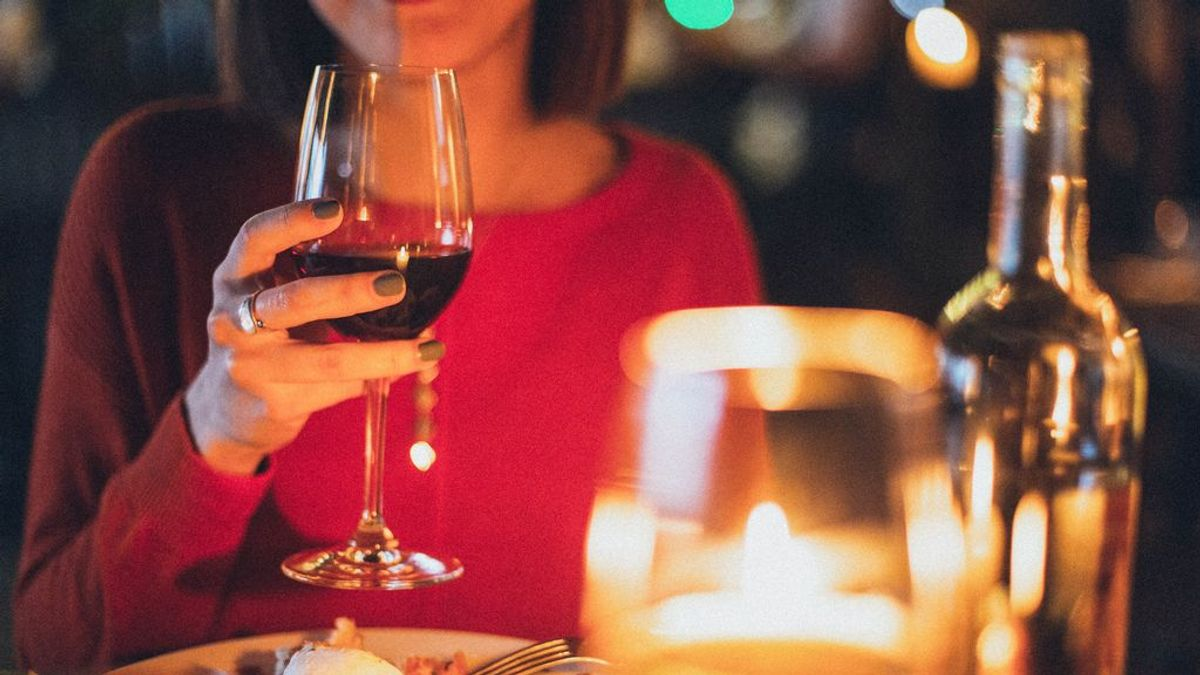 Les sirven por error una botella de vino de 6.000 euros en un restaurante