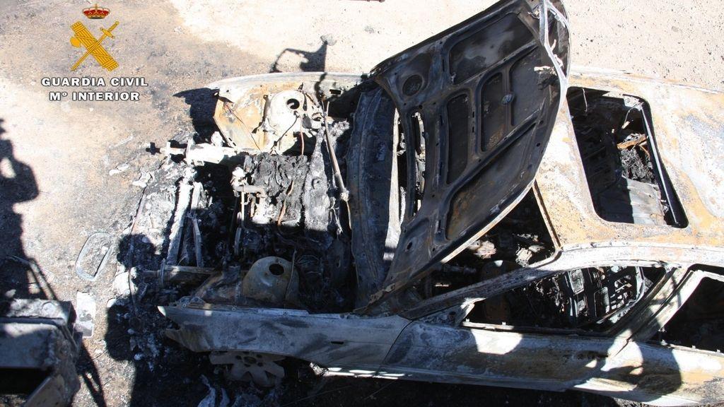 Un presunto pirómano incendia varios vehículos en La Rioja
