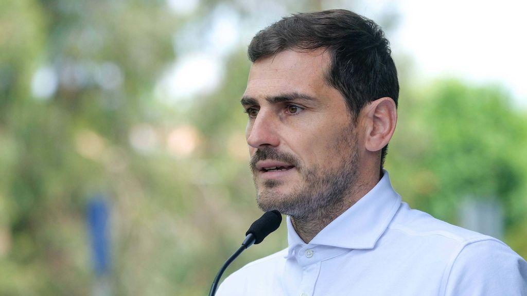 """Casillas niega que se vaya a retirar ya: """"Por ahora, tranquilidad"""""""