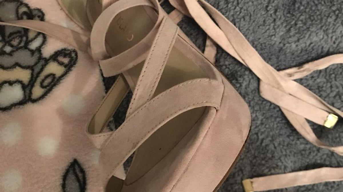 El truco que dejará tus zapatos de ante como nuevos con…¡agua micelar!