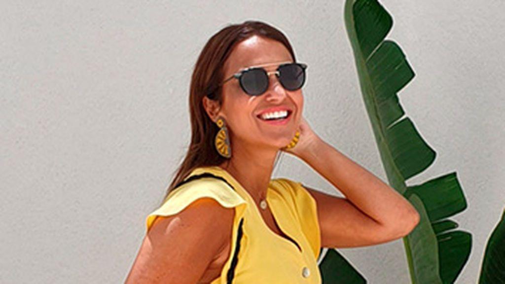 """El vestido amarillo que Paula Echevarría ha agotado antes de empezar el verano: """"Lo uso muchísimo"""""""