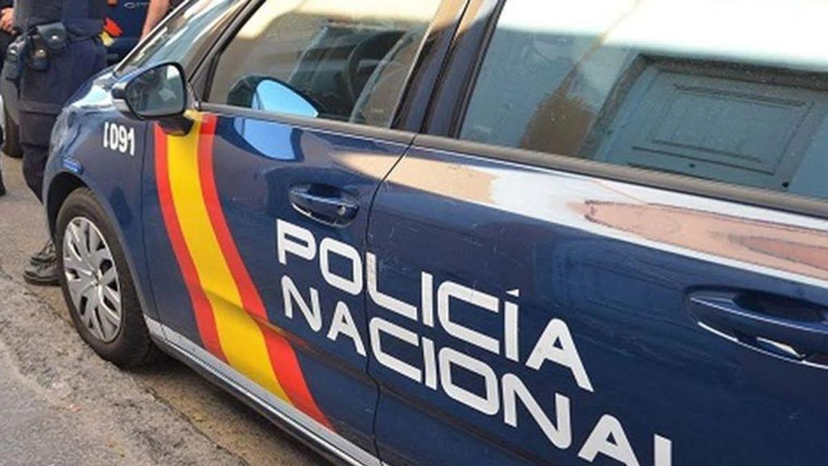La policía encuentra en Pontevedra a un niño de 10 años descalzo y golpeado en la calle y detienen a su madre