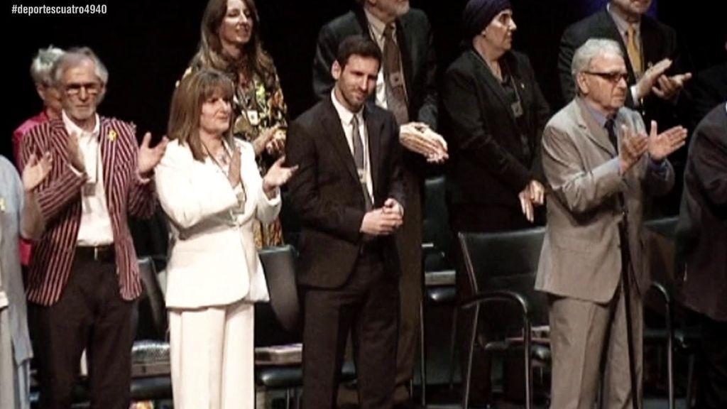 El momento más incómodo de Messi en la entrega de la Cruz de Sant Jordi