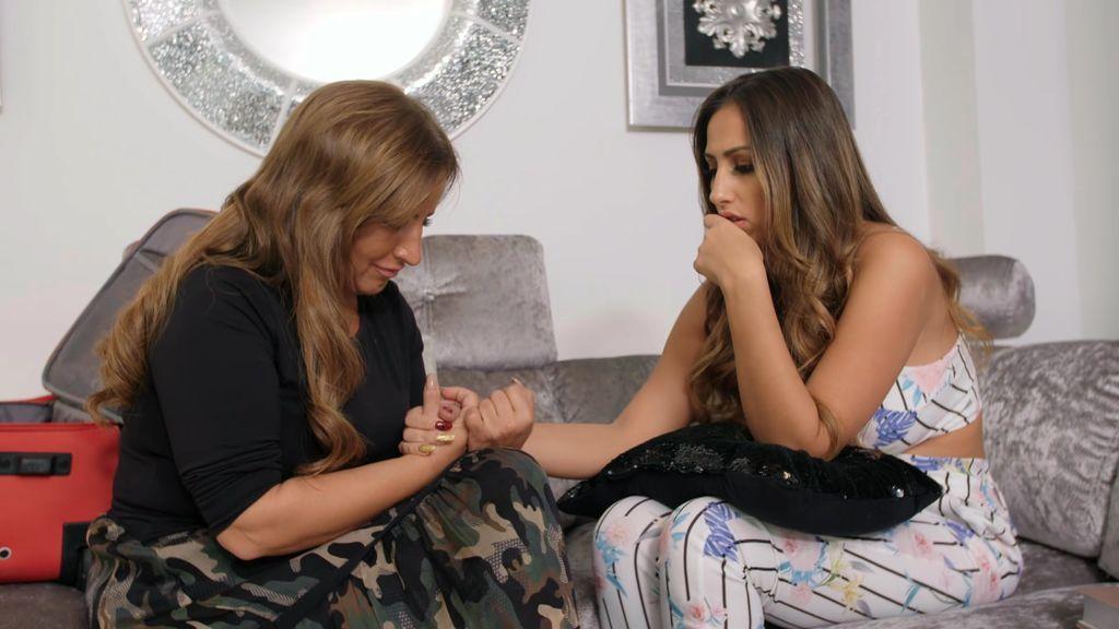 Raquel se sincera con su hija