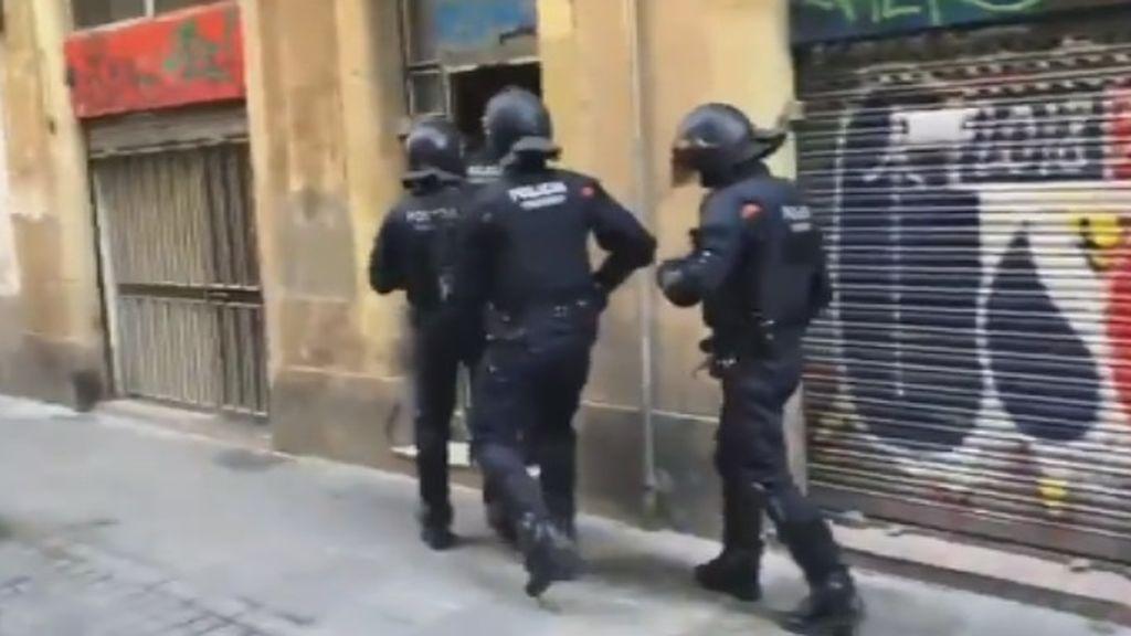Detenido por la presunta violación de una menor de 13 años en un narcopiso de El Raval