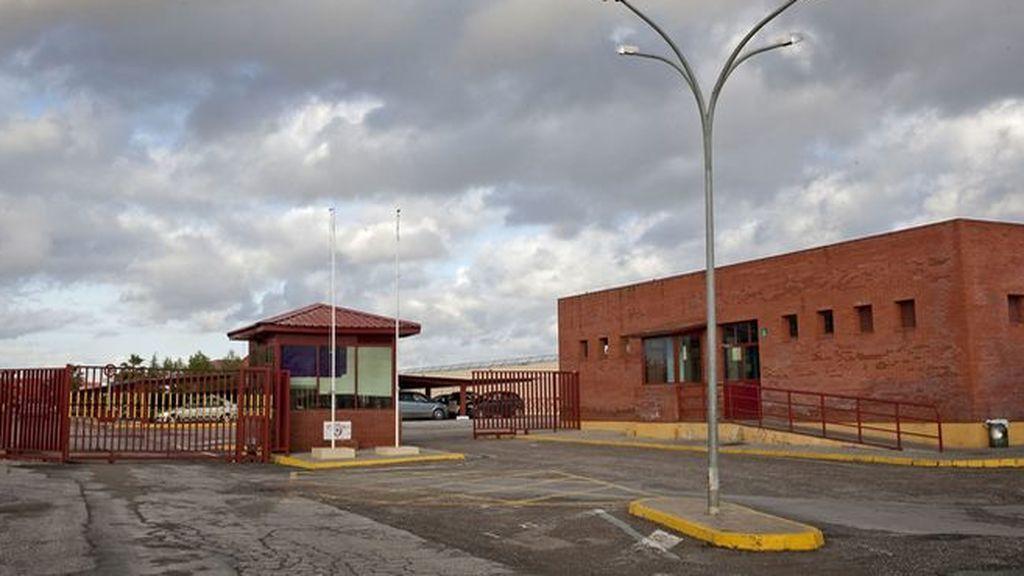 Un preso de la cárcel de Sevilla queda libre por error