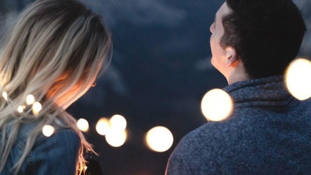 Aluvión de críticas en una red social hacia un hombre que se queja de que su novia no ha ido arreglada a una cita