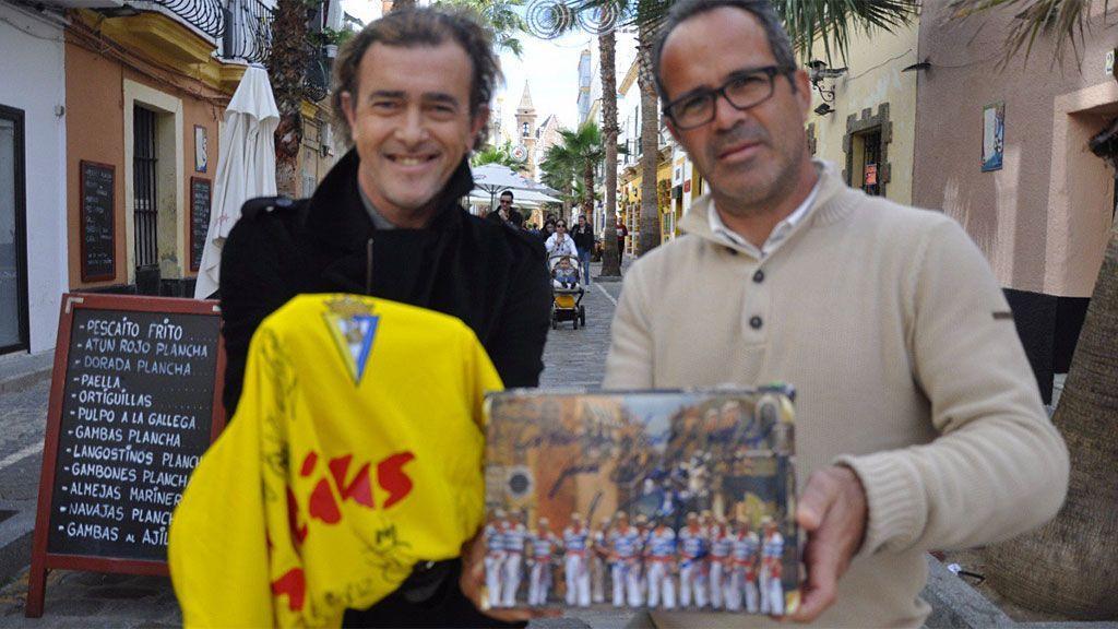 El Cádiz rinde homenaje a Juan Carlos Aragón, mito de los Carnavales fallecido tras una grave enfermedad