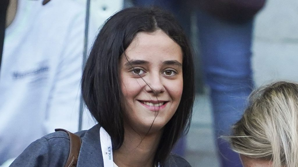 Victoria Federica lo confirma: el pantalón campana con flecos que es tendencia esta primavera