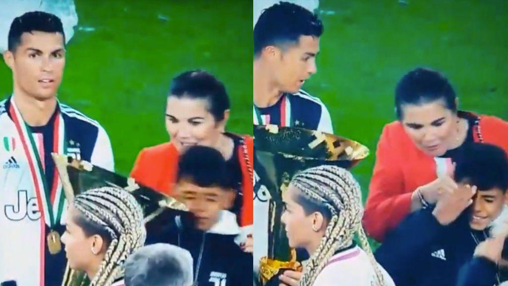El 'blooper' de Cristiano al recibir el trofeo a mejor jugador de la liga italiana