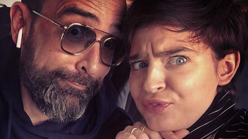 """La entrañable imagen del hijo de Risto Mejide con Laura Escanes: """"Roma en familia"""""""