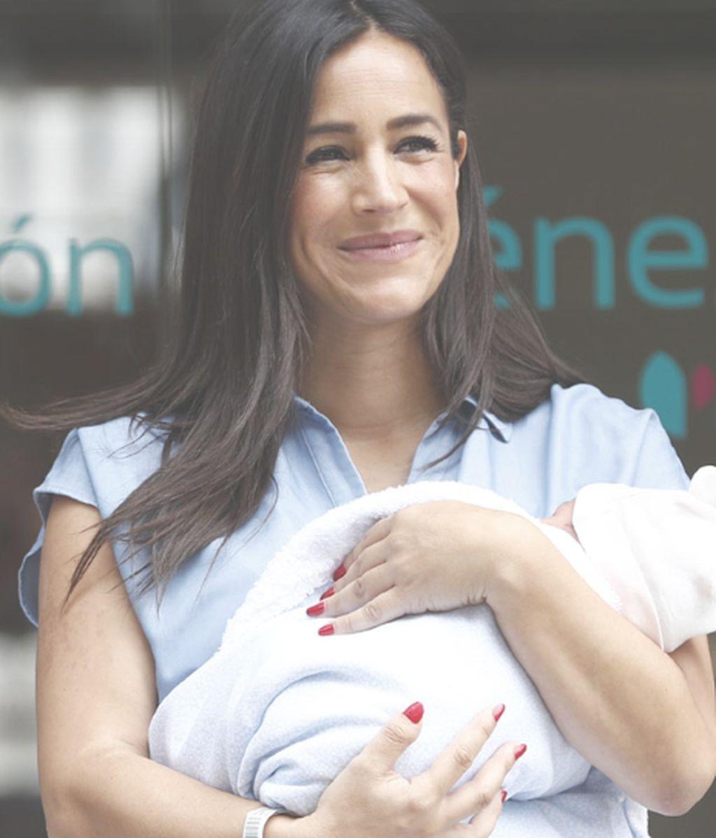 Begoña Villacís enseña a su gordita y espera que a partir de ahora una candidata embarazada sea lo normal