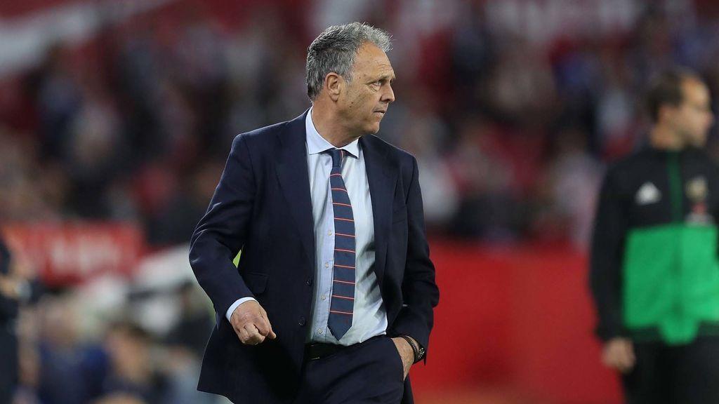 Joaquín Caparrós deja el banquillo del Sevilla pero seguirá ligado a la entidad