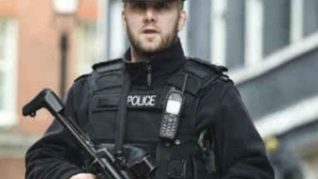 Cierran las calles aledañas de Downing Street por un objeto sospechoso el día que se desvela que May puede dimitirg