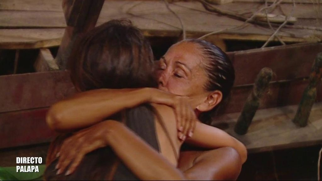 """Violeta, encantada con Isabel Pantoja y sus consejos: """"Se porta conmigo como una mamá"""""""
