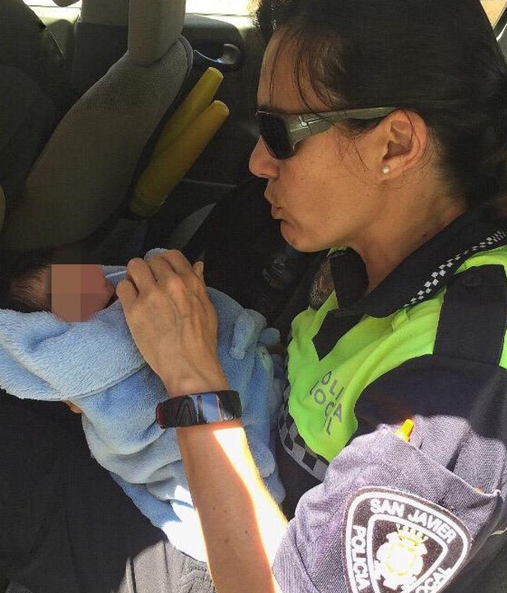 Rescate bebe Murcia policía