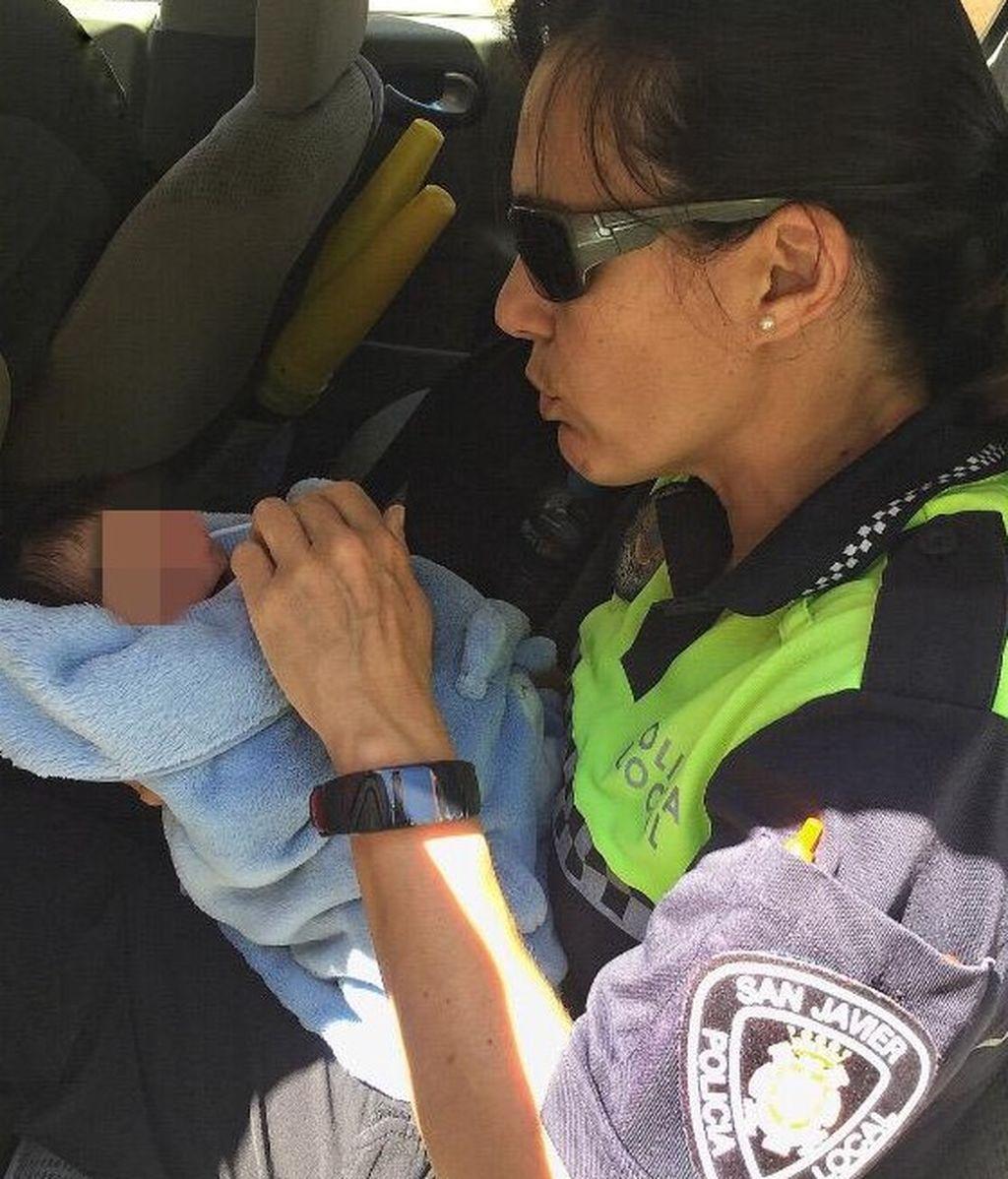 rescate bebe Murcia policia