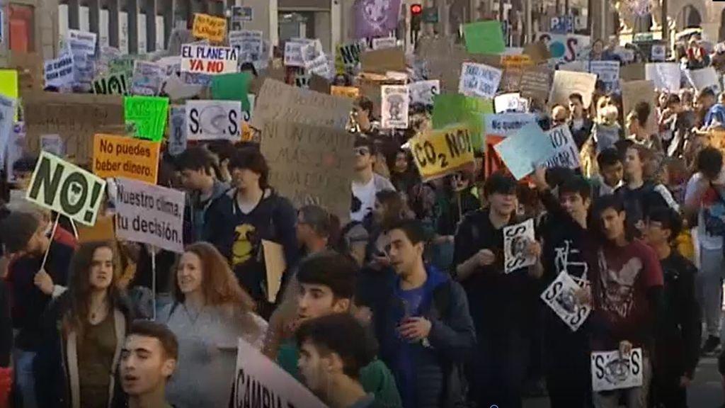 Huelga mundial por el clima: los jóvenes vuelven a la calle para exigir medidas a los gobiernos