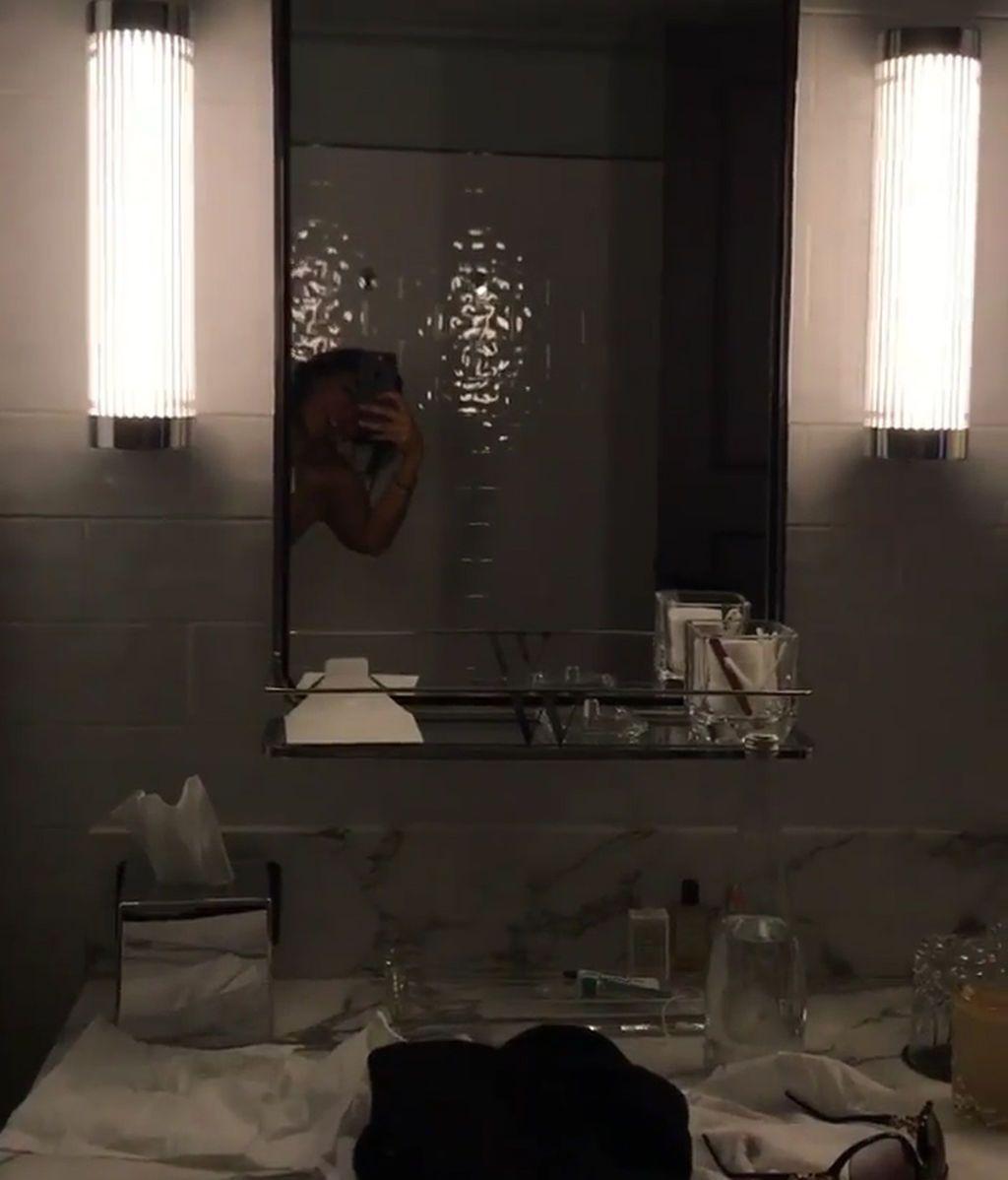 Aida Nizar Desnuda aída nízar 'gh' se graba desnuda en la ducha - outdoor