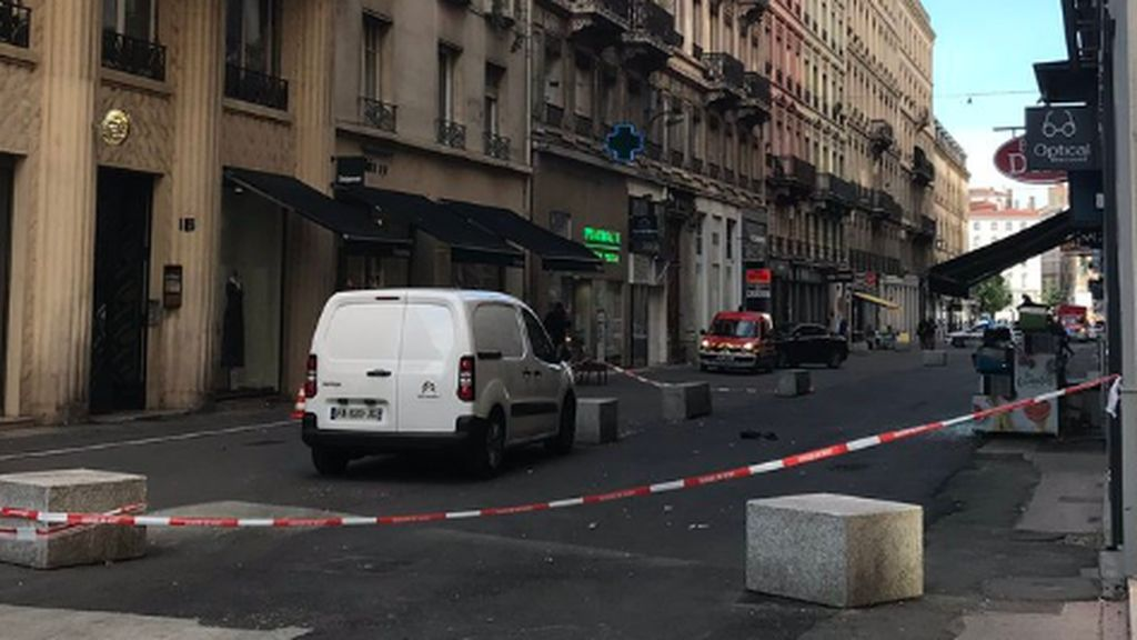 Un artefacto explosivo provoca al menos ocho heridos en una calle peatonal de Lyon