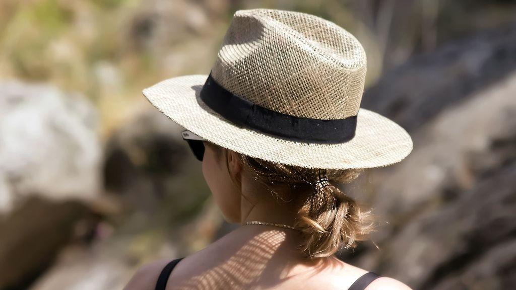 hat-3267329_1280