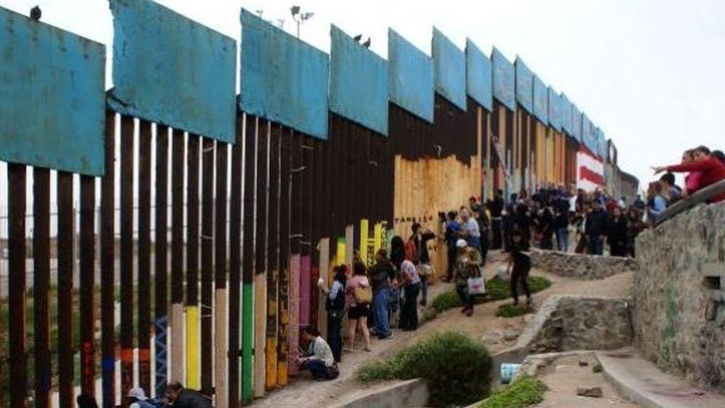 Un juez estadounidense bloquea los fondos para la construcción del muro fronterizo con México