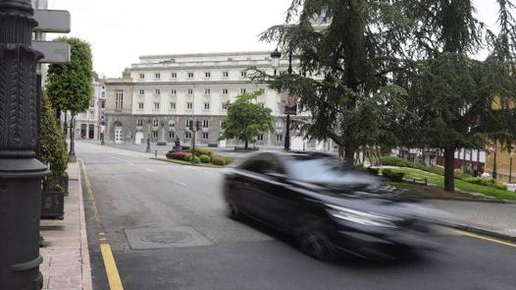 Muere atropellado un hombre en Oviedo y el conductor se da a la fuga