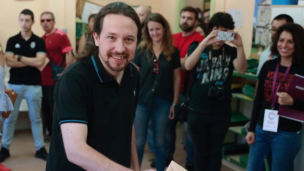 Pablo Iglesias llega a la sede electoral de Unidas Podemos sin Irene Montero