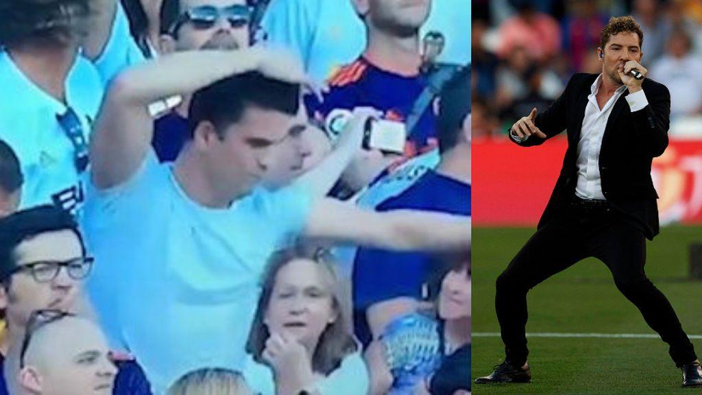El baile viral de un aficionado del Valencia durante la actuación de Bisbal en la final de la Copa del Rey