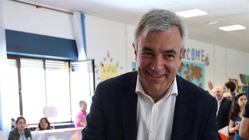 Luis Garicano ejerce su derecho al voto