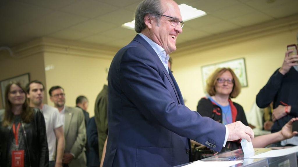 El PSOE gana en la Comunidad de Madrid y Carmena se mantiene en el Ayuntamiento