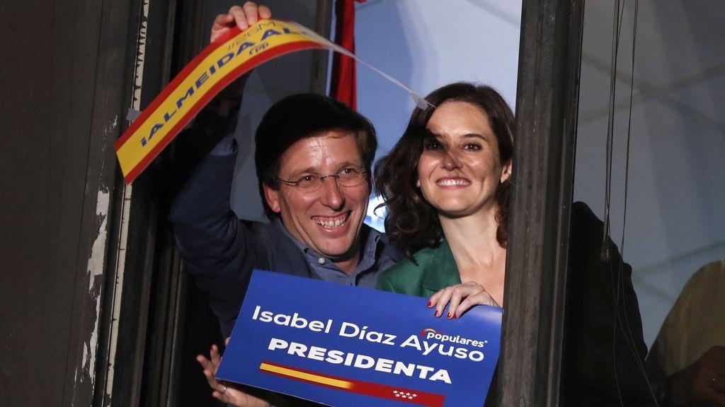 En la calle Génova ya celebran la alcaldía de Almeida (PP)